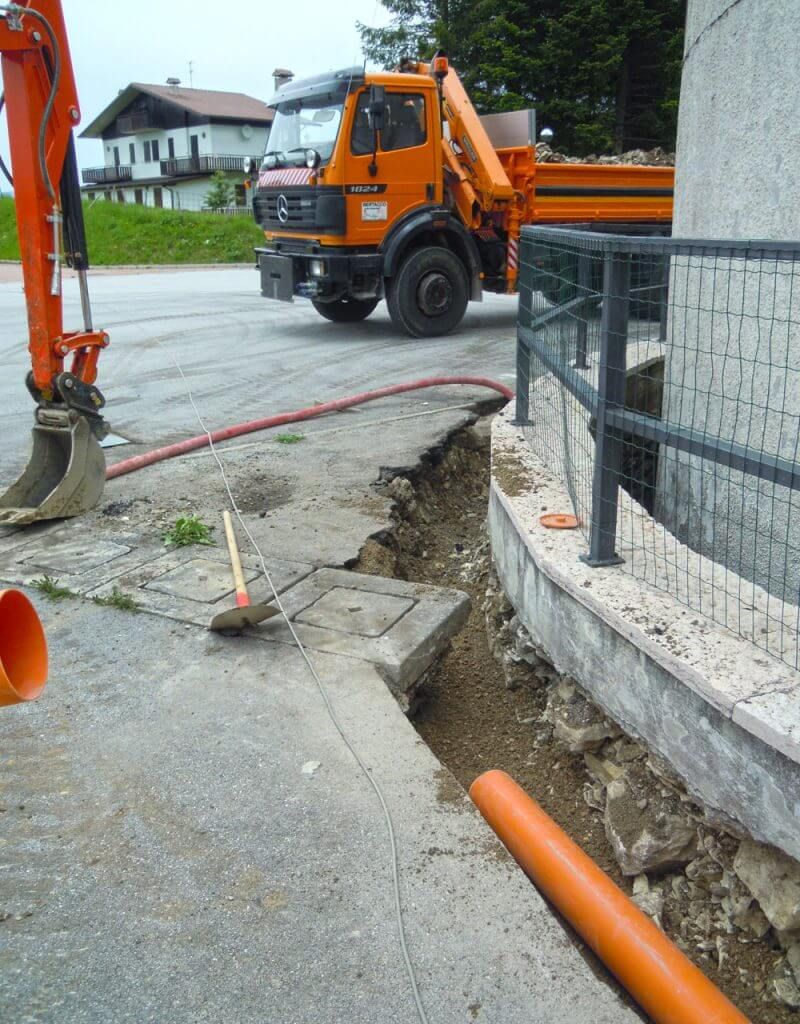 Realizzazione scavo per impianti fognari Asiago